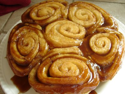 Easy Caramel Rolls for Slow Cooker